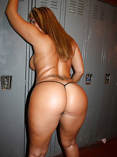 Big Ass College Pics